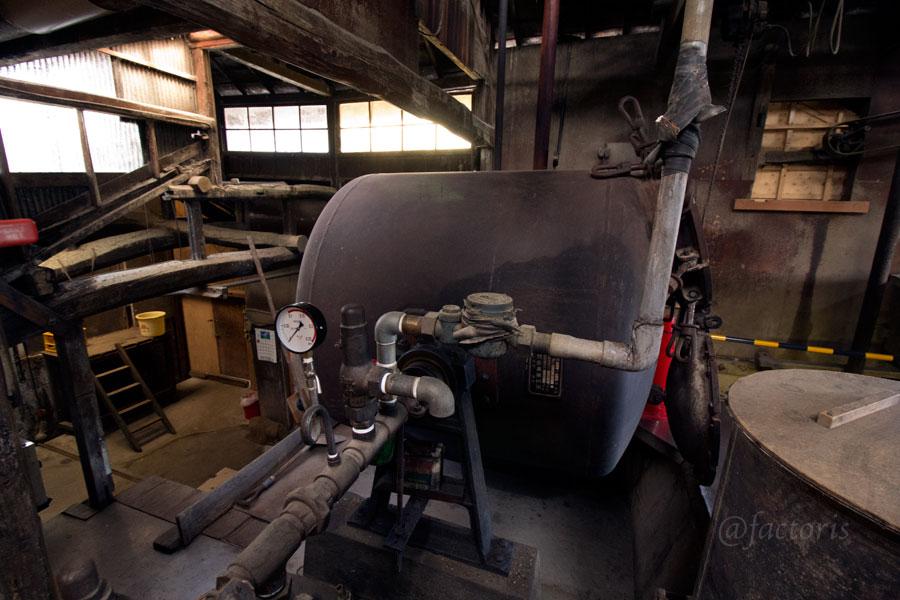 大豆を蒸す窯